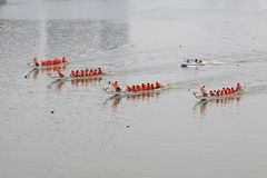 Plats för drakefartyglopp i kinesiska traditionella Dragon Boat Festiv Royaltyfri Foto