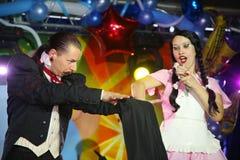 Plats för Maestro Magician Illusionist Does Show inredesign Royaltyfri Foto