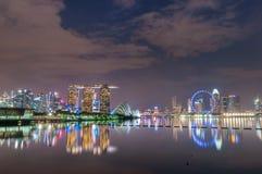 Plats för natt för marinafjärdgränsmärken på Singapore arkivbilder
