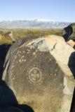 Plats för Petroglyph för tre floder nationell, byrå för a (BLM) av landledningplatsen, särdrag indierpe för mer än 21.000 indian Arkivfoto