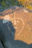 Plats för Petroglyph för tre floder nationell, byrå för a (BLM) av landledningplatsen, särdrag indierpe för mer än 21.000 indian Arkivbild