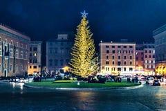 Plats för piazzaVenezia natt, Rome, Italien Royaltyfria Bilder