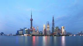 Plats för Shanghai pudong lujiazuinatt Arkivbild
