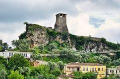 Plats med den Kruja slotten nära Tirana, Albanien Royaltyfri Bild