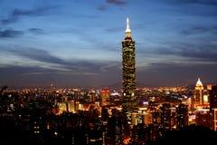 Platser Taiwan för natt Taipei101 Royaltyfri Fotografi