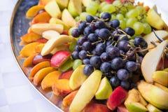Platta av blandade frukter Arkivfoto