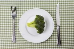 Platta av broccoli royaltyfri foto