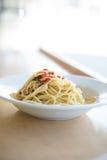 platta av pasta som isoleras på vit Fotografering för Bildbyråer
