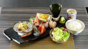 Platta för sushi för sashimi för rå fisk för japansk stil Arkivfoto