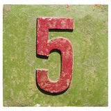 Platta med ett nummer 5 Arkivfoton