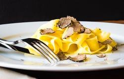 Platta med pasta arkivbild