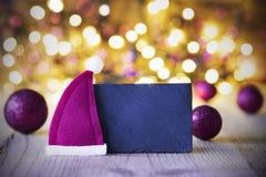 Platta Santa Hat, ljus, kopieringsutrymme Royaltyfria Foton