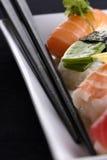 platta tjänade som sushi Royaltyfri Bild