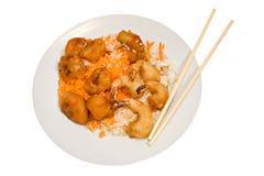 Platte der chinesischen Nahrung auf Weiß Stockbild