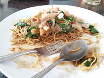 Platte des teilweise gegessenen Lebensmittels Stockfotografie