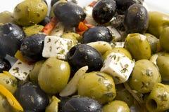 Platte mit Oliven Stockbild