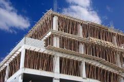 Platte- und Lichtstrahlgußteil bei der Herstellung des neuen Gebäudes Lizenzfreies Stockfoto