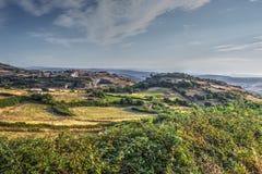 Platteland bij zonsondergang in Sardinige royalty-vrije stock fotografie