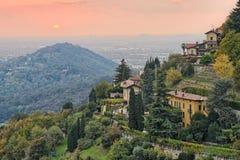 Platteland door Bergamo, Lombardije, Italië, Europa stock afbeelding
