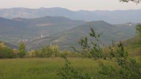Platteland met vallei stock footage