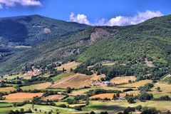 Platteland van Monteleone Di Spoleto Royalty-vrije Stock Foto's
