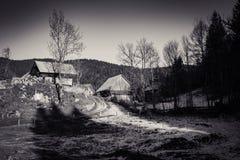 Plattelands houten chalet in alpen, uskovnica, Slovenië stock foto