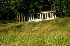 Plattelandshuisje op Meer Michigan Royalty-vrije Stock Afbeeldingen