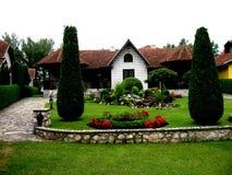Plattelandshuisje, Servië, Srebrno-jezero, Veliko Gradiste, Stock Afbeeldingen