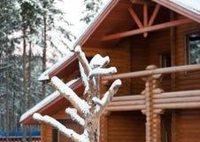 Plattelandshuisje van hout wordt gemaakt dat Royalty-vrije Stock Foto