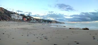 Plattelandshuisjes langs Crystal Cove Beach royalty-vrije stock foto