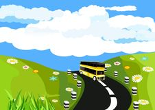 Plattelandsmening, groene heuvels, wegmening, bus het drijven over de weg Vector art stock illustratie
