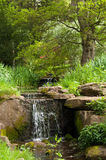 Plattelandswaterval in Engeland Stock Foto