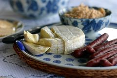 platter συμβαλλόμενων μερών τυριών στοκ φωτογραφία με δικαίωμα ελεύθερης χρήσης