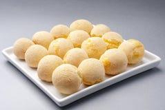 platter τυριών ψωμιού Στοκ φωτογραφίες με δικαίωμα ελεύθερης χρήσης