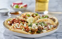 Free Platter Of Mexican Street Tacos With Carne Asada, Chorizo, And Al Pastor In Corn Tortillas Royalty Free Stock Photo - 187175645