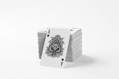 Plattform der Spielkarten stockbild