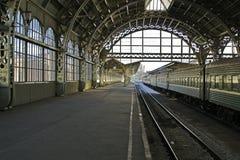 Plattform för järnvägstation Fotografering för Bildbyråer