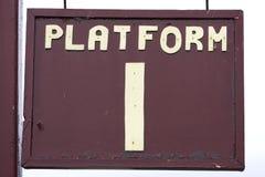 Plattformzeichen lizenzfreie stockfotografie