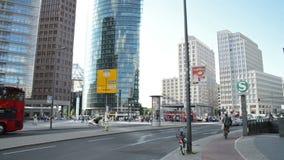 Platz de Potsdamer en Berlín, Alemania almacen de video