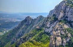 Platz nahe dem berühmten Kloster von Montserrat Lizenzfreies Stockfoto