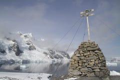 Platz wo die französische Expedition Jean des ersten antarktischen Wintering Lizenzfreies Stockbild