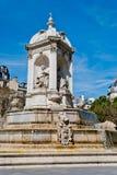 Platzieren Sie Brunnen Str.-Sulpice, Paris Lizenzfreie Stockfotos