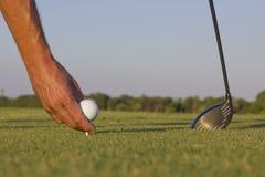 Platzierung des Golfballs Lizenzfreies Stockbild