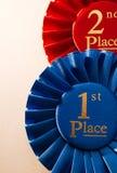 1. Platzsiegerrosette oder -ausweis Stockbild
