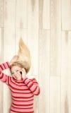 Plaudern der jungen Frau Stockfotografie