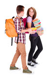 Plaudernde Studenten zurück zu Schule Stockfotos