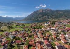 Plav湖和普拉夫镇,黑山鸟瞰图  库存图片