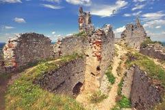Plavecky城堡宽视图,斯洛伐克 免版税库存图片