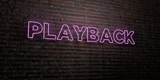 PLAY-BACK - realistische Leuchtreklame auf Backsteinmauerhintergrund - 3D übertrug freies Archivbild der Abgabe Stockfotografie