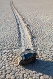долина утеса беговой дорожки playa озера смерти кровати стоковая фотография